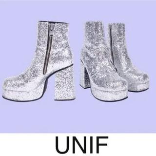 ユニフ(UNIF)の【美品 UNIF PLATFORM BOOTS】(ブーツ)