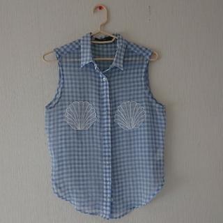 リルリリー(lilLilly)のリルリリー 貝殻刺繍シャツ(シャツ/ブラウス(半袖/袖なし))