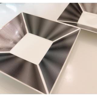 ニッコー(NIKKO)のニッコーエリートモダンスクエアトレープレート皿2枚セット(食器)