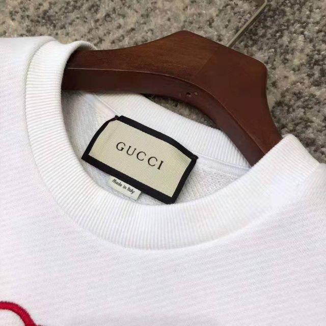 Gucci(グッチ)の【GUCCI】GUCCIテニス刺繍オーバーサイズスエット レディースのトップス(トレーナー/スウェット)の商品写真