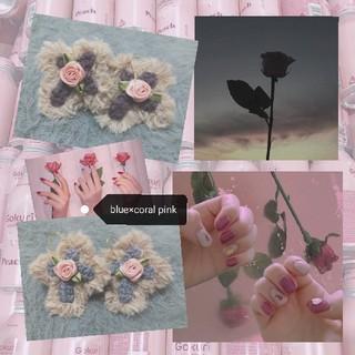 ワンアフターアナザーナイスクラップ(one after another NICE CLAUP)のクロスローズピアス(blue×coralpink rose)(ピアス)