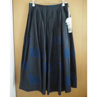 ミナペルホネン(mina perhonen)のタグ付き mina perhonen swan スカート ブラック 美品(ひざ丈スカート)
