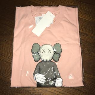 ユニクロ(UNIQLO)のKAWS UNIQLO 2019SS ピンク Lサイズ(Tシャツ/カットソー(半袖/袖なし))