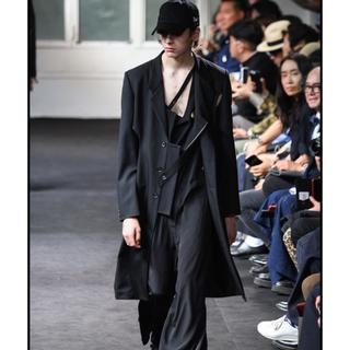 ヨウジヤマモト(Yohji Yamamoto)のYohji Yamamoto 19ss look4 穴開きジャケット(チェスターコート)