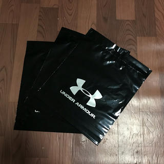 アンダーアーマー(UNDER ARMOUR)の今だけ+1枚 アンダーアーマー ショップ袋 3枚組 ショッピングバック 手提げ (ショップ袋)