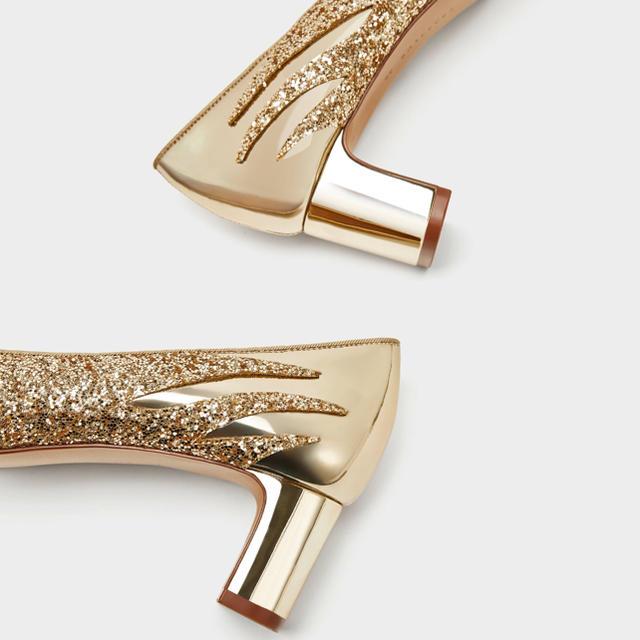 ZARA(ザラ)の限定2点‼️【新品 完売品】豪華なゴールド!!存在感♡オーラ感は抜群★パンプス レディースの靴/シューズ(ハイヒール/パンプス)の商品写真