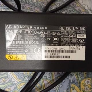 フジツウ(富士通)の富士通 純正ACアダプター FUJITSU 19V7.9A FMV-AC318(PC周辺機器)