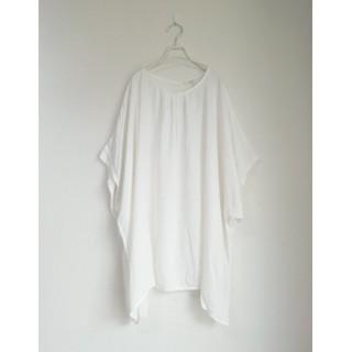 メルロー(merlot)の新品 フィリル タックドルマンプルオーバー オフホワイト(カットソー(半袖/袖なし))