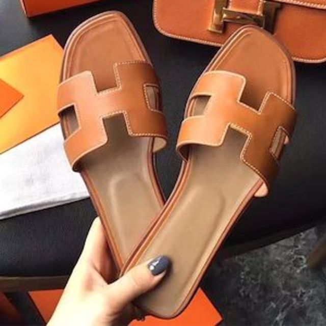2019新作 フラットサンダル トレンドデザイン⭐️ 22.5-25㎝ ブラウン レディースの靴/シューズ(サンダル)の商品写真