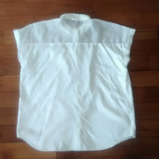 GU(ジーユー)のGU 透けシャツ サイズM レディースのトップス(シャツ/ブラウス(半袖/袖なし))の商品写真