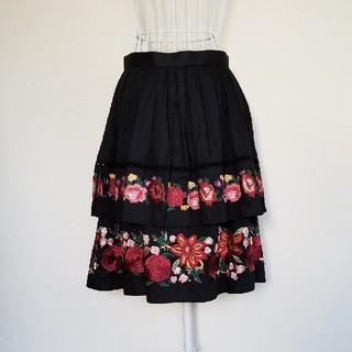 ロイスクレヨン(Lois CRAYON)のLoisCRAYON【新品未使用】フラワー刺繍綿スカート(その他)