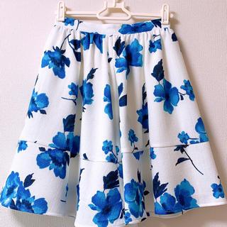ティティアンドコー(titty&co)の花柄 スカート ⑅⿻(ひざ丈スカート)