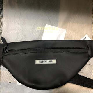 フィアオブゴッド(FEAR OF GOD)のessentials fear of god waterproof bag(ボディーバッグ)
