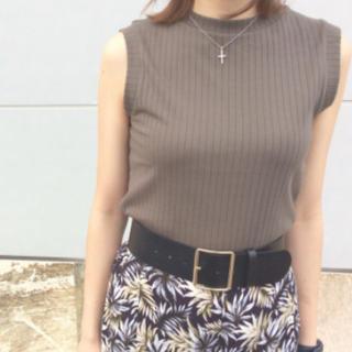 ジーユー(GU)のリブハイネックT(ノースリーブ)  (Tシャツ(半袖/袖なし))