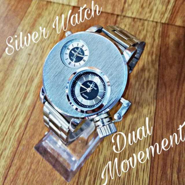 ヴァシュロン・コンスタンタン時計コピー中性だ 、 【海外限定ブランド】 インデュアルムーブメントメンズ 腕時計 シルバーの通販 by さとこショップ|ラクマ