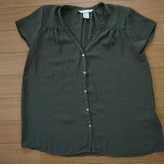 エイチアンドエム(H&M)の★流行り★カーキーシャツ(シャツ/ブラウス(半袖/袖なし))
