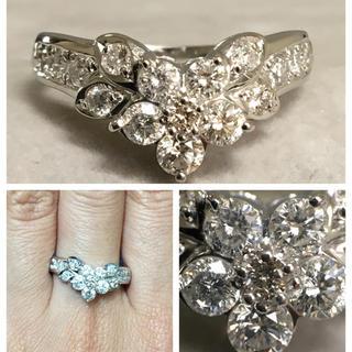 PT900 1.00カラット お花モチーフ ダイヤモンドリング(リング(指輪))