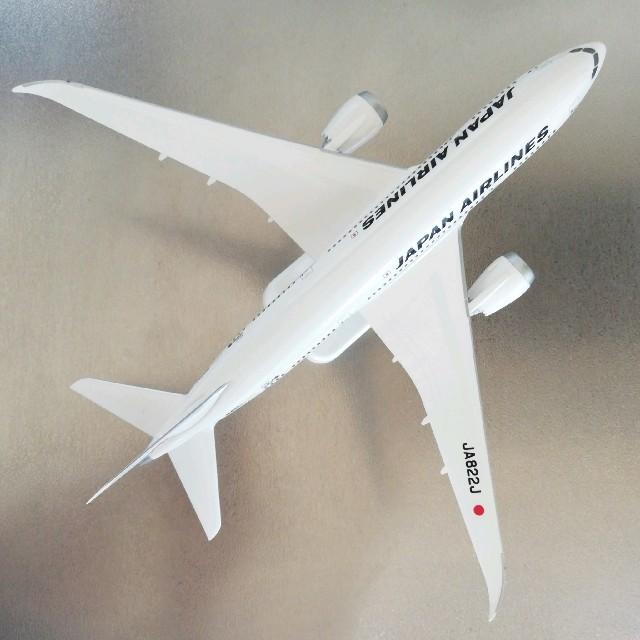 JAL(日本航空)(ジャル(ニホンコウクウ))のJAL 日本航空 飛行機 モデルプレーン  JA822J エンタメ/ホビーのおもちゃ/ぬいぐるみ(模型/プラモデル)の商品写真