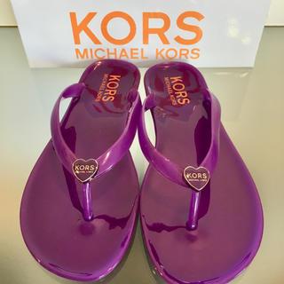 マイケルコース(Michael Kors)のMICHAEL KORS EVELINキッズビーチサンダル約22.5cm新品(ビーチサンダル)