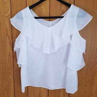 グレースコンチネンタル(GRACE CONTINENTAL)のグレースコンチネンタル白ブラウス(シャツ/ブラウス(半袖/袖なし))