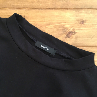 メルロー(merlot)のMerlot  メルロー  タックノースリーブ  黒(カットソー(半袖/袖なし))