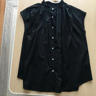 ジーユー(GU)の【未使用】GU ボリュームギャザーブラウス ブラック Sサイズ(シャツ/ブラウス(半袖/袖なし))