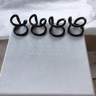 マルタンマルジェラ(Maison Martin Margiela)の黒新品 マルジェラ アウトライン 4連リング 18AW(リング(指輪))
