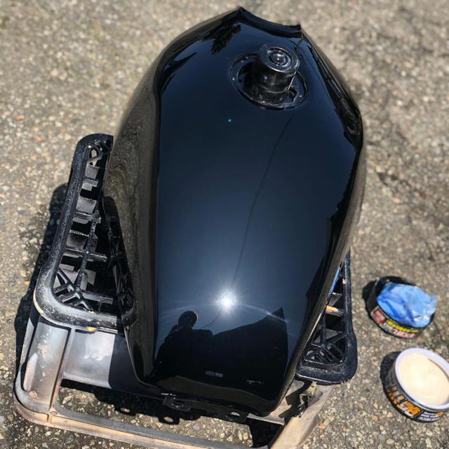 カワサキ(カワサキ)のゼファー400 /x タンク 塗装後未使用 自動車/バイクのバイク(パーツ)の商品写真