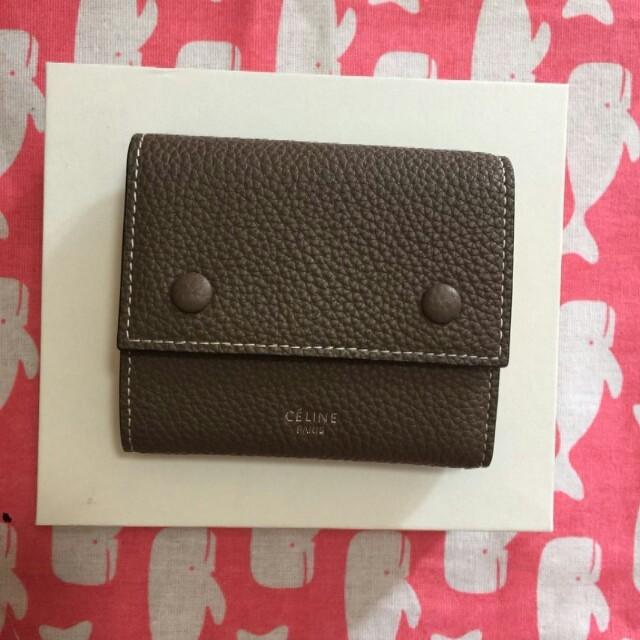 プラダ リボン バッグ スーパー コピー - CELINE 三つ折り財布の通販 by レイド's shop|ラクマ