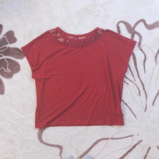 赤 トップス(カットソー(半袖/袖なし))