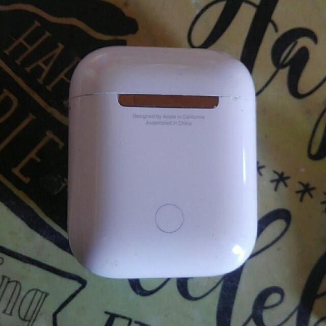 Apple(アップル)のAirPods apple スマホ/家電/カメラのオーディオ機器(ヘッドフォン/イヤフォン)の商品写真