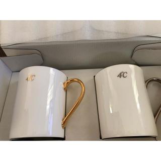 ヨンドシー(4℃)の4°C マグカップ(グラス/カップ)