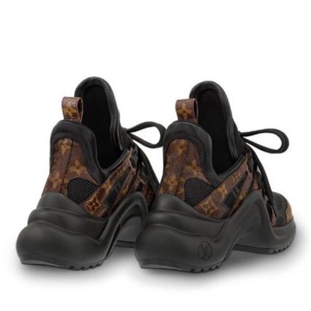 LOUIS VUITTON(ルイヴィトン)のルイヴィトン★アークライト38 レディースの靴/シューズ(スニーカー)の商品写真