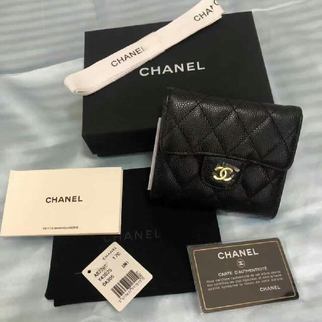 CHANEL - CHANEL 三つ折り財布の通販 by 's shop|シャネルならラクマ