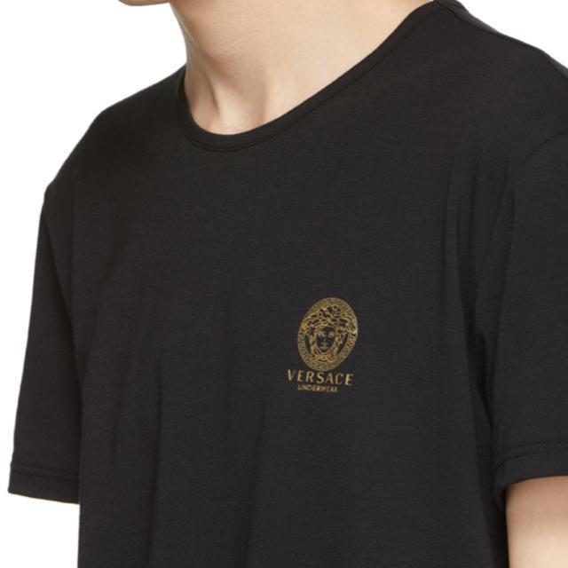 VERSACE(ヴェルサーチ)のVersace Underwear メンドゥーサ ロゴTシャツ ブラック メンズのトップス(Tシャツ/カットソー(半袖/袖なし))の商品写真