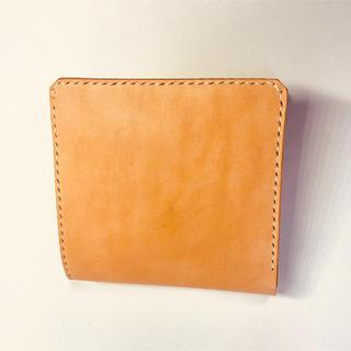 薄型二つ折財布 コインケース無し 生成りレザー 飴色に経年変化が楽しめます(財布)