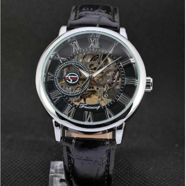 ブランド時計コピー 完璧複製 、 FORSINING 手巻き スケルトン腕時計 銀☓黒の通販 by Minnie's shop|ラクマ