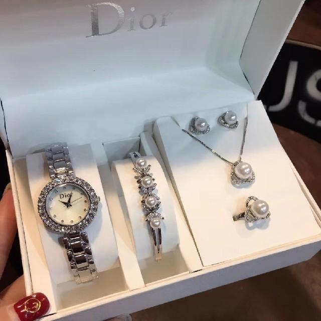 腕 時計 女性 シンプル 偽物 - Christian Dior - Dior・トイレットペーパーセットの通販 by よよ's shop|クリスチャンディオールならラクマ