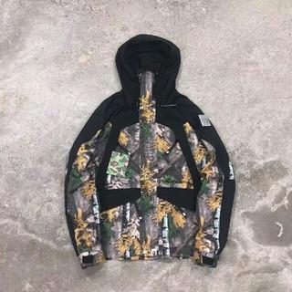 アベイシングエイプ(A BATHING APE)の新品 Bape forestd  camo snow boar jacket(ダウンジャケット)