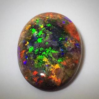 《宝石⚜️ルース》超大粒☪️天然ブラックオパール ✳️21.379ct 鑑別付(リング(指輪))