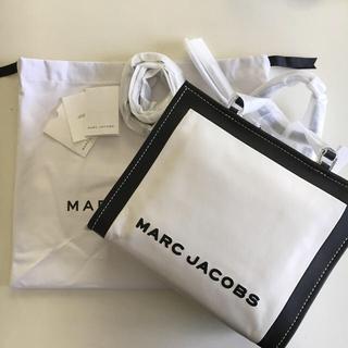 マークジェイコブス(MARC JACOBS)の新品 本物 マークジェイコブス ザ ボックス ショッパー トート バッグ(ショルダーバッグ)