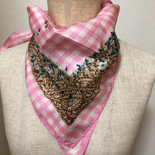 ヴィヴィアンウエストウッド(Vivienne Westwood)の額縁スカーフ(バンダナ/スカーフ)