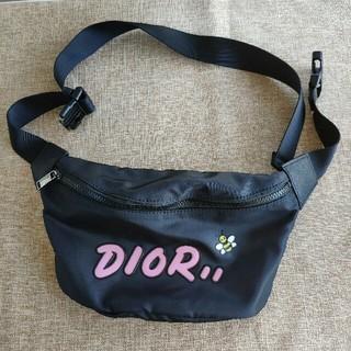 ディオール(Dior)のDior͚ x Kawsウエストポーチ  ボディーバック(ボディバッグ/ウエストポーチ)