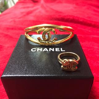 シャネル(CHANEL)のCHANEL☆フラワー ロゴ リング 指輪 バングル ブレスレットの2点セット(リング(指輪))