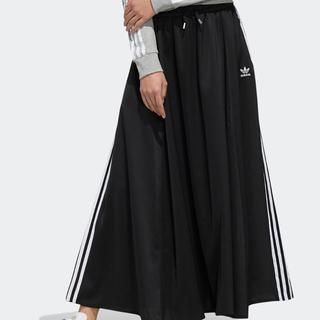 アディダス(adidas)のadidas ウィメンズ ロング サテンスカート(ロングスカート)