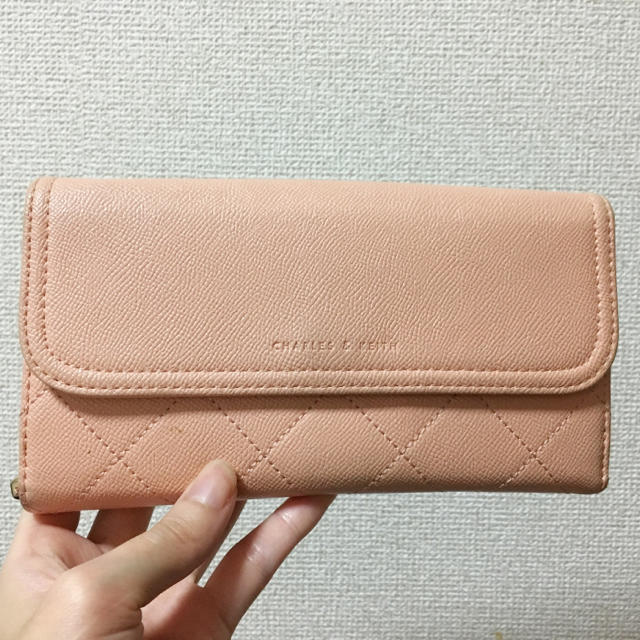Charles and Keith - B品中古激安❗️チャールズ&キース長財布 ピンク レア 財布 お財布バッグの通販 by minana♡'s shop|チャールズアンドキースならラクマ
