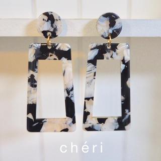 ケービーエフ(KBF)のchéri ピアス No.107(ピアス)