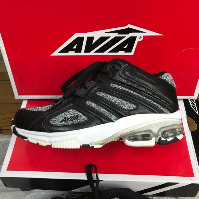avia フィットネスシューズ スポーツ/アウトドアのトレーニング/エクササイズ(トレーニング用品)の商品写真
