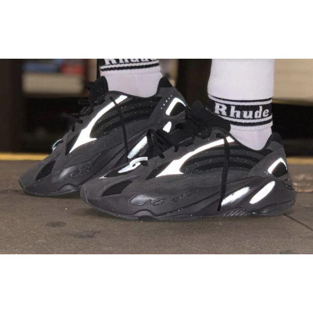 adidas(アディダス)のAdidas × Kanye West YEEZY BOOST 700 VANT メンズの靴/シューズ(スニーカー)の商品写真