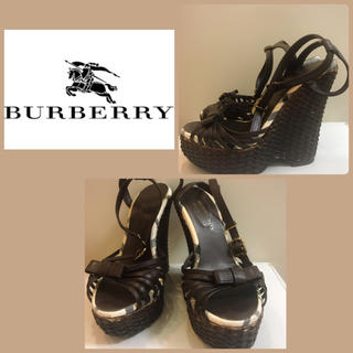 バーバリー(BURBERRY)のSKY様専用ページです♡バーバリー ブラウンウエッジ   サンダル(サンダル)